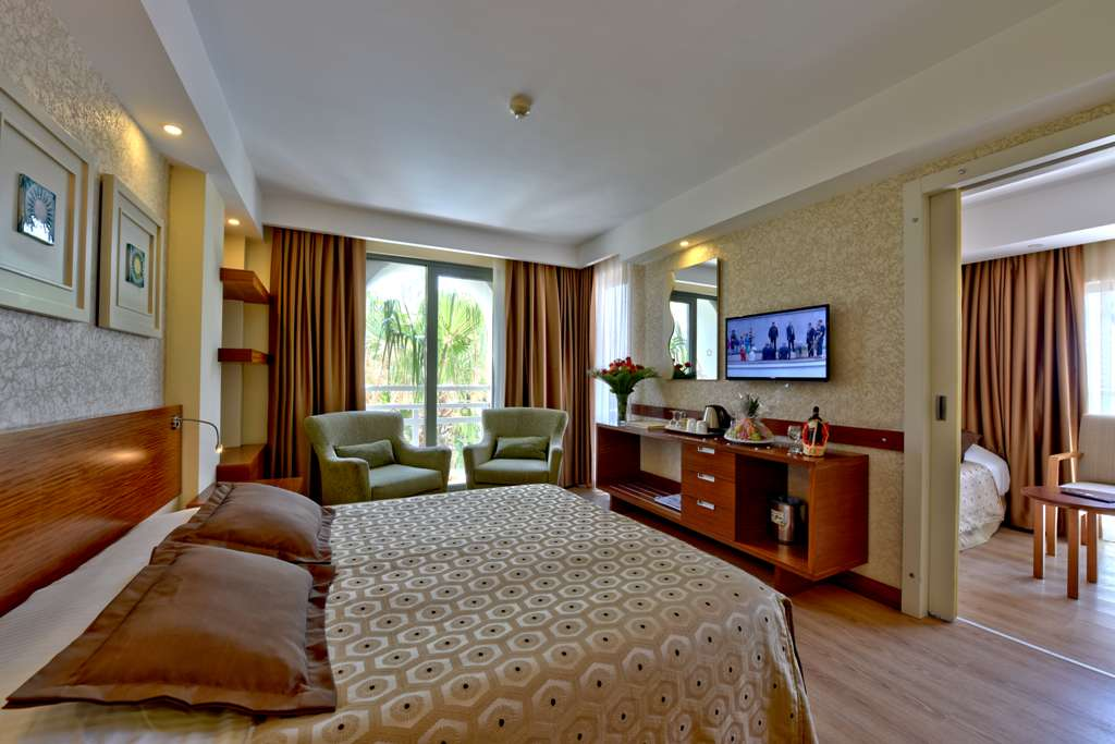 SİDE STAR BEACH HOTEL FAMILY ROOM SEA SIDE